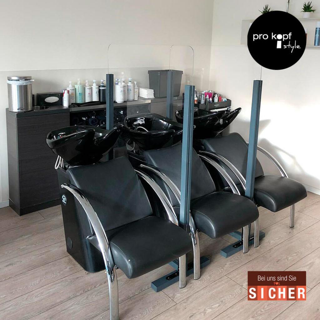 Friseursalon pro kopf style Alt-Marzahn: Waschplätze mit Schutztrennwänden