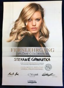 "L'ORÉAL-Urkunde ""Diplôme Coloration"" von pro kopf style-Mitarbeiterin Stefanie Gawantka"